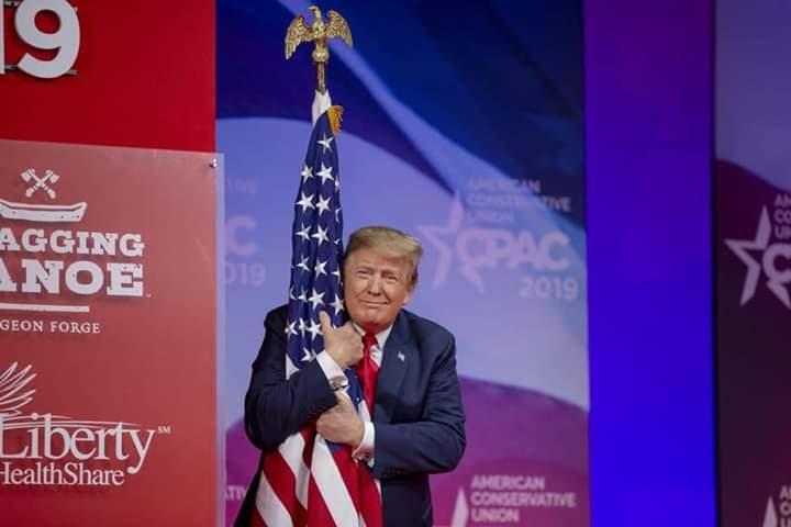 Donald Trump menace de tirer sur les manifestants aux USA